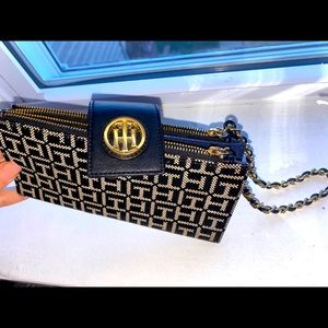 Tommy Hilfiger Wallet with zippers , like a purse